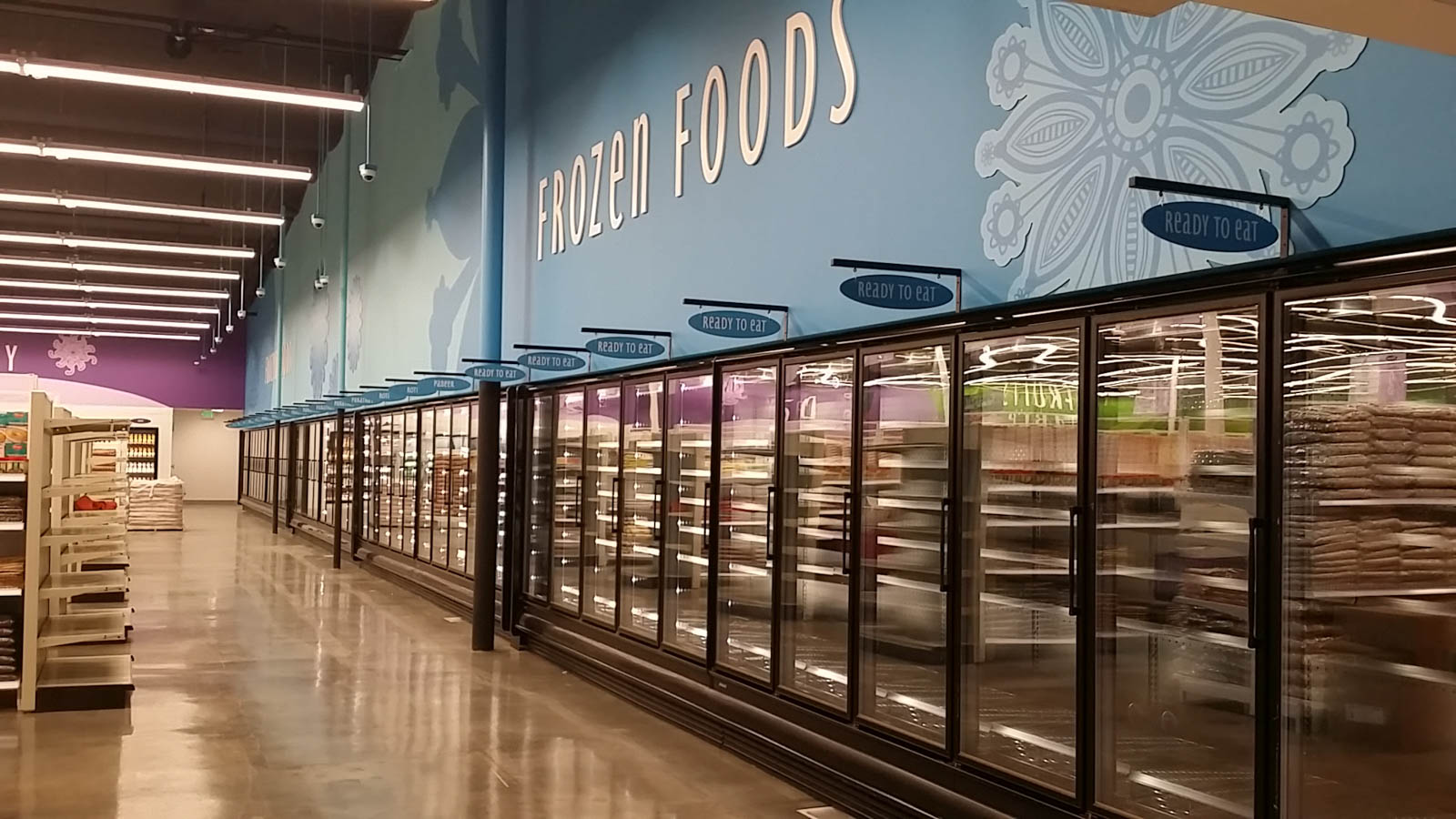 Pioneer Cash & Carry Photo - Frozen Foods Department